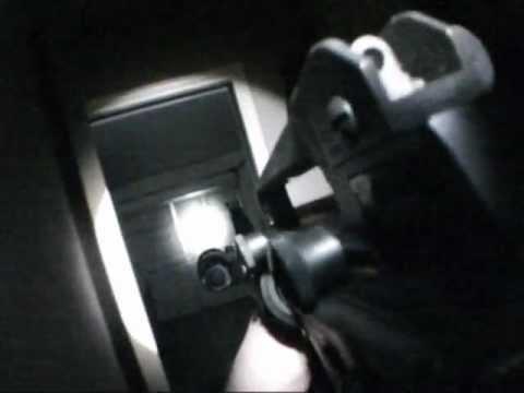 Відеоогляд тактичного підствольного ліхтаря Fenix TK11