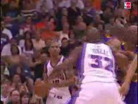 Shaq Dunks on Lakers