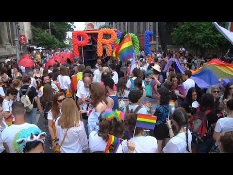 Χιλιάδες στο pride parade στο Βουκουρέστι