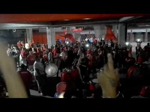Independiente 1 Velez 1 / La Hinchada - La Barra del Rojo - Independiente