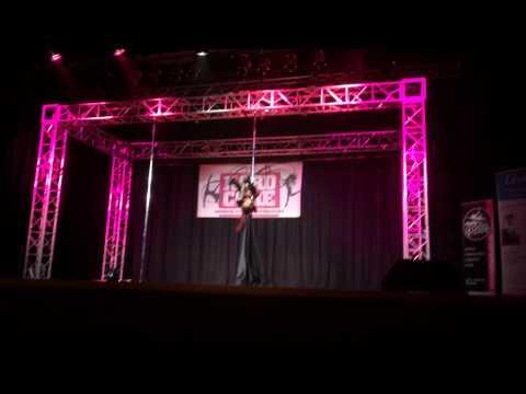Eve Evans - Darth Vader Pole Dancing Routine (видео)