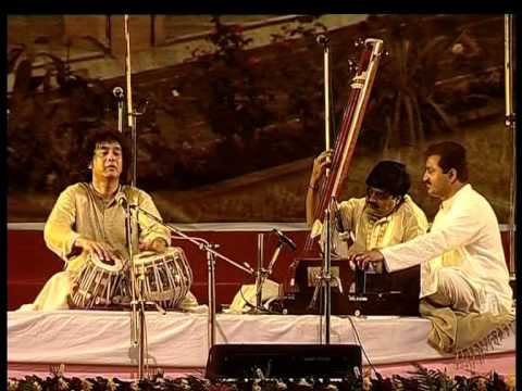 Video Ustad Zakir Hussain- 10th anniversary celebrations of Shrutinandan download in MP3, 3GP, MP4, WEBM, AVI, FLV January 2017