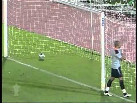 thủ môn đã ngu lại tỏ ra nguy hiểm