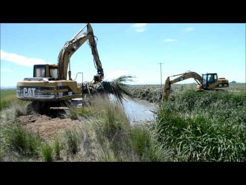 Maximized Water Management  cleans  Irrigation Canal drain  with two AVRs June 2016