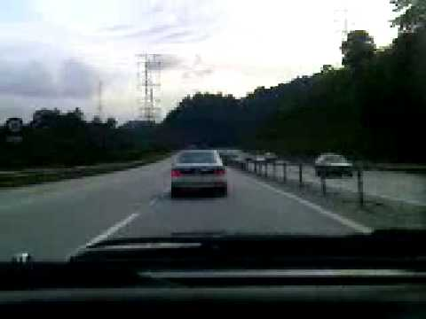 AE80 + AE92 Downhill Touge Battle in Malaysia