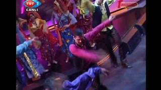 Shaman Dans Tiyatrosu - Roman