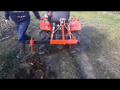 Arrache pommes de terre micro tracteur