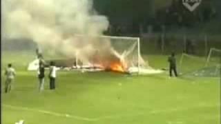 Video YouTube - AREMA vs PERSIWA football fight.mp4 MP3, 3GP, MP4, WEBM, AVI, FLV April 2018