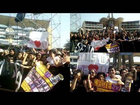Fans Going Crazy At Justin Bieber's Concert