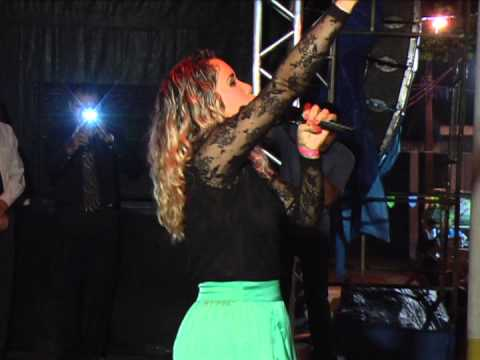Cantora Milla Carvalho em Godofredo Viana