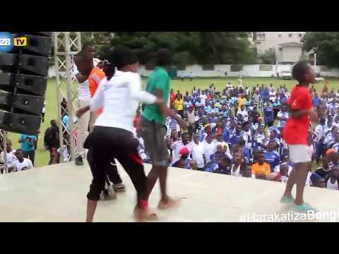 Video Man Fongo akiwarusha wana na Singeli download in MP3, 3GP, MP4, WEBM, AVI, FLV January 2017
