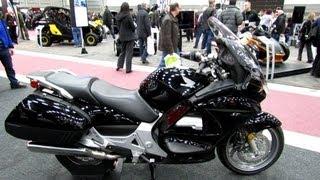 7. 2013 Honda ST1300 - Walkaround - 2013 Quebec Motorcycle Show