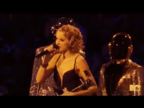vma - Taylor Swift Disses Harry Styles During VMA Speech! Subscribe to Hollywire | http://bit.ly/Sub2HotMinute Send Chelsea a Tweet! | http://bit.ly/TweetChelsea F...