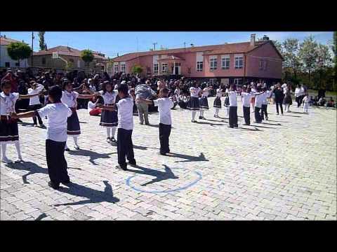 yeşilyurt ilköğretim okulu Ankaranın BAğları 23 nisan dans gösterisi 4-A 2012.wmv