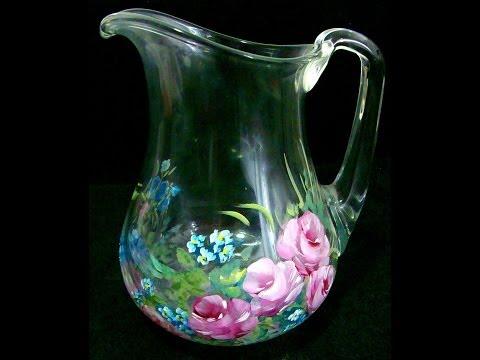 Rosas em jarro de vidro