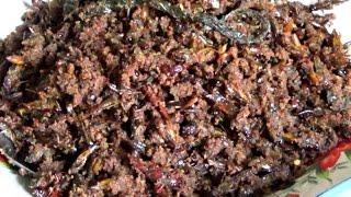 TOPIKINI.COM – Kuliner masakan rendang berikut ini, mungkin sedikit berbeda dari rendang yang biasa kita temukan, yaitu rendang belalang. Lezatnya rendang dipadu gurihnya belalang, hanya bisa anda temukan di Nagari Sisawah kecamatan Sumpur Kudus kabupaten Sijunjung Sumatera Barat.Baca Selengkapna: http://topikini.com/gurihnya-kuliner-rendang-belalang-khas-nagari-sisawah-sijunjung/