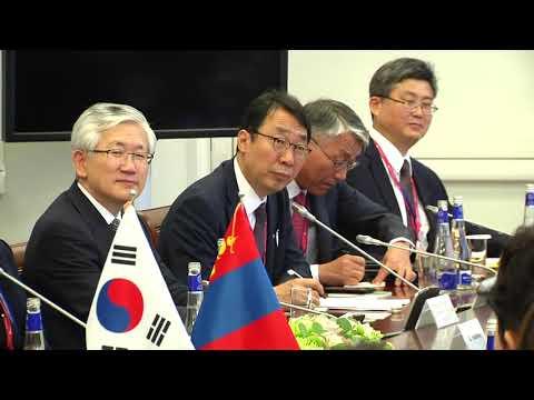 Монгол Улсын Ерөнхийлөгч Х.Баттулга, БНСУ-ын Ерөнхийлөгч Мүн Жэ Ин нар уулзав