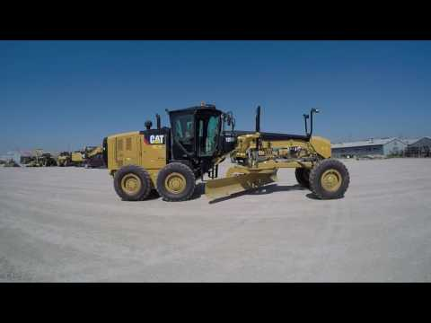 CATERPILLAR NIVELEUSES 12M2 equipment video xoG1HuTbbvk