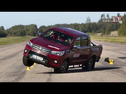 Toyota Hiluxilla ei kannata väistellä hirviä – Katso vertaileva testi