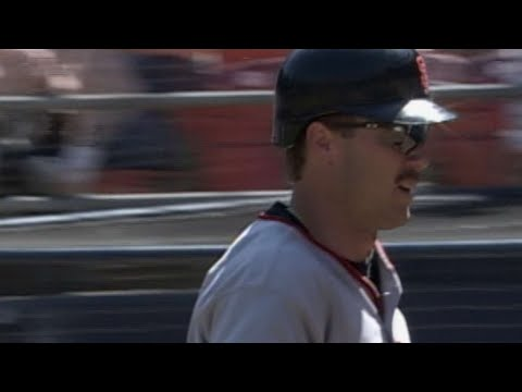Video: Jeff Kent hits his 33rd home run of 2000