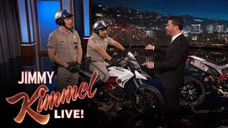 Nonton Dax Shepard and Michael Pena Debut CHIPs Trailer Film Subtitle Indonesia Streaming Movie Download