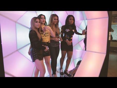 LAS CUARTA ARMONÍA - Promo de 'Abajo' y activismo en rrss | Fifth Harmony