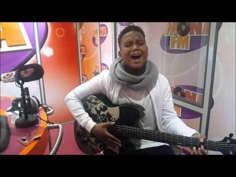 Gabriel de Kids United chante pour Mona FM