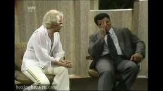 Muhammad Ali  and  Freddy Starr,  The best clip on British Tv