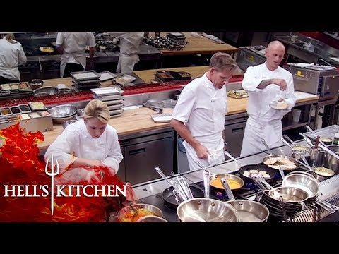 Gordon Ramsay, Chef Andi & James Battle Against The Final Five | Hell's Kitchen