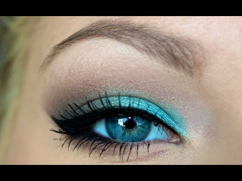 Video Of The Week: Turquoise Smokey Eye