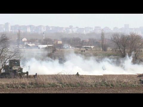 Griechenland/Türkei: Tränengas über Migranten an griechisch-türkischer Grenze