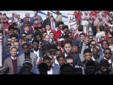 Massive crowd at Alabama's Walk of Champions prior to LSU game