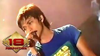 Ungu - Bayang Semu (Live Konser Purwokerto 17 Desember 2006) Video