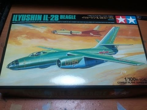 Tamiya -1-100 Ilyushin IL-28 Beagle...