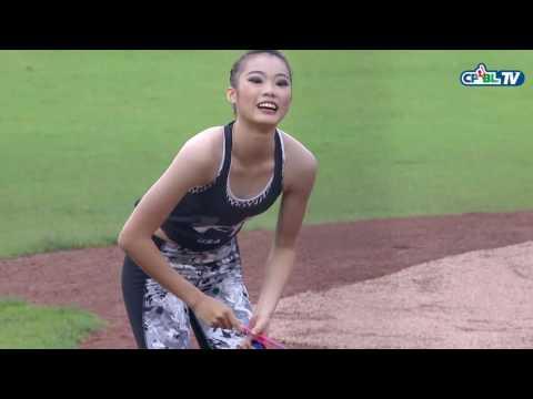 05/22 兄弟 vs Lamigo 賽前,全大運韻律體操個人全能金牌連霸得主楊千玫擔任開球嘉賓