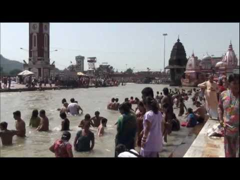 bathing in ganga - Har Ki Pauri is a famous ghat on the banks of the Ganges in Haridwar in Uttarakhand state in India. This revered place is the major landmark of the holy city...