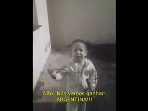 Pequeno argentino que torce pelo Brasil vira sensa��o