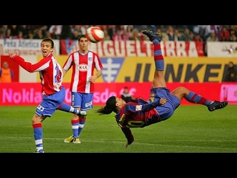 fantastico goal di ronaldinho all'atletico madrid