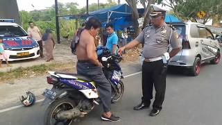 Video Viral, Pria Ini Bebas Ditilang Karena Mengamuk & Minta Ditembak MP3, 3GP, MP4, WEBM, AVI, FLV Februari 2019