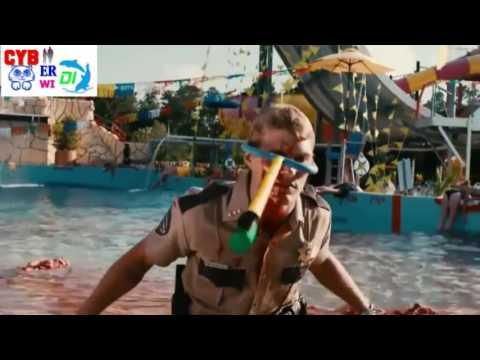 8 Adegan Mengerikan dalam Film Piranha 3DD