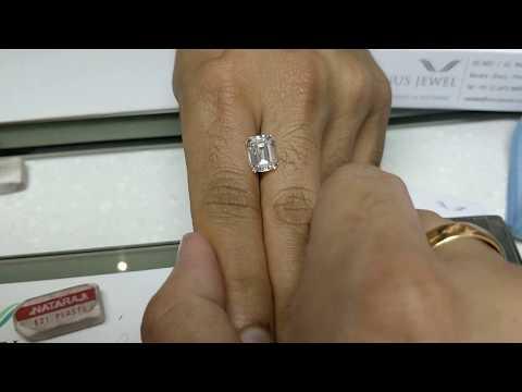 How big is a 5ct emerald cut diamond