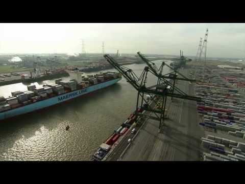 port - On Saturday the 19th of October the Maersk Triple-E Class vessel Mary Maersk arrived at the Deurganckdock in the Port of Antwerp.