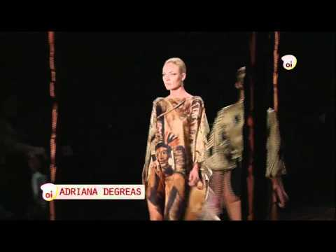 Oi Moda // Desfile Adriana Degreas - São Paulo Fashion Week Verão 2012 видео