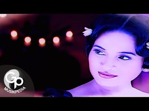 Download Lagu IKKE NURJANAH - SENYUM DAN HATIMU Music Video