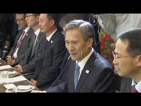 Κορεατική χερσόνησος: Έναρξη συνομιλιών λίγο πριν λήξει το τελεσίγραφο της Πιονγιάνγκ
