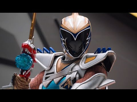 Power Rangers Official | Gold Ranger in Power Rangers Dino Super Charge | E01-20 | Superheroes