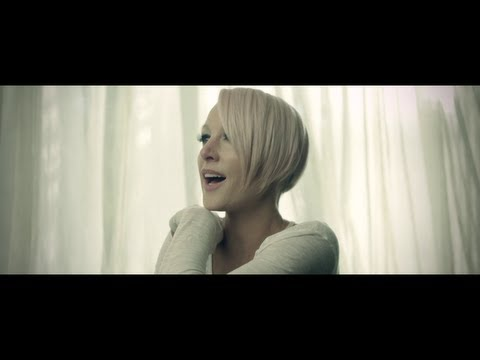 Emma Hewitt – Colours