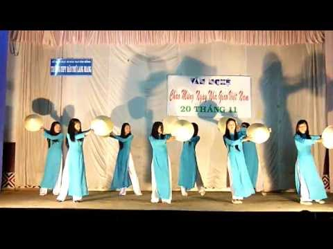 Múa: Bài ca người giáo viên nhân dân - Lớp 12A2 - 2011