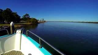 Iluka Australia  city photo : Australia: Iluka Ferry - Dock Arrival