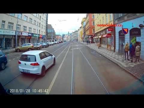 Předjíždění tramvají v Praze